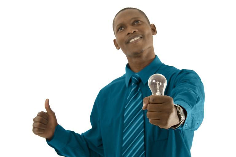 muž se žárovkou.jpg
